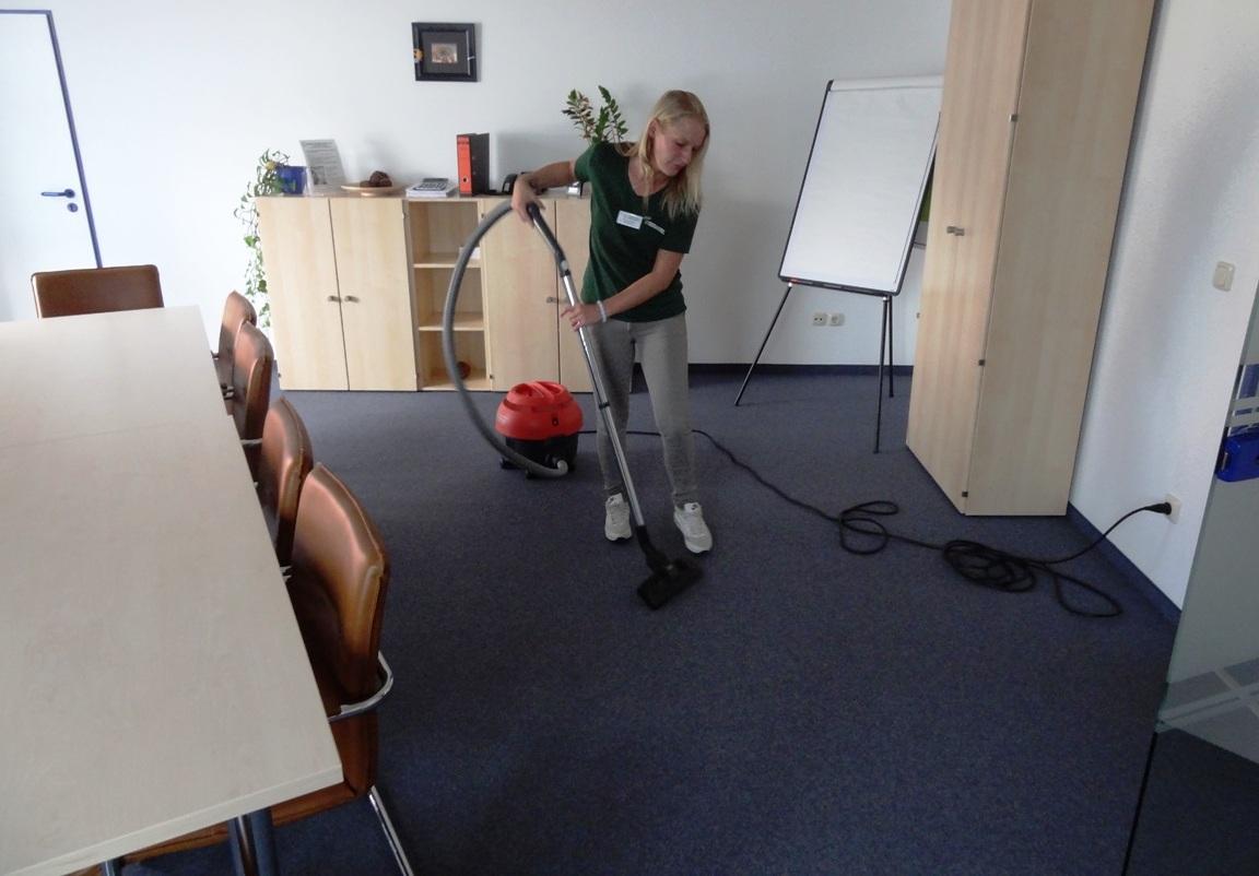 Büro-Gebäudereinigung-1